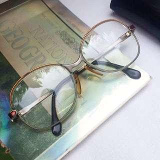 """Kacamata Vintage """"Aksen Merah"""""""