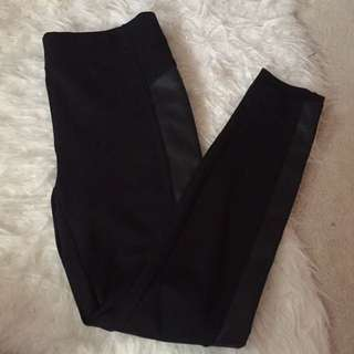Leggings With Side Detail