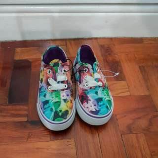 Girls Canvas Shoes