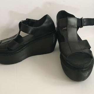 Doc Martens Platform Sandal