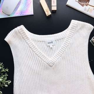 Seed Sleeveless Knit