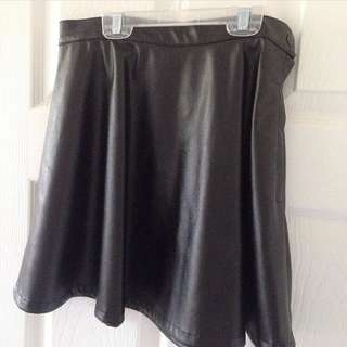 AMERICAN APPAREL Faux Leather Skirt