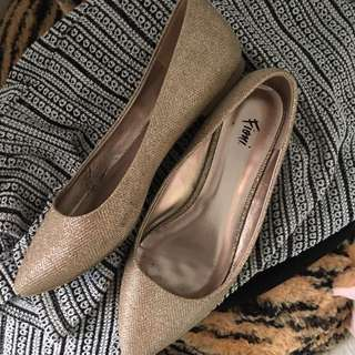 Gold pointed Doll shoes
