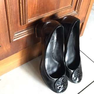 Authentic Tory Burch Reva Black Patent Leather Size 35.5-36 (5.5)
