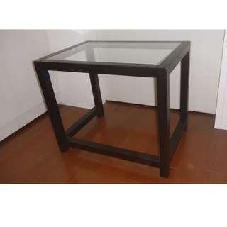 【近全新】IKEA 實木框架 強化玻璃桌面 茶几 邊桌 咖啡桌 攝影 中島 sellred