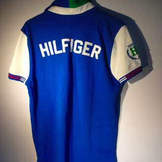 TOMMY HILFIGER POLO SHIRT WITH CREST PREOWNED EXCELLENT CONDITION size medium