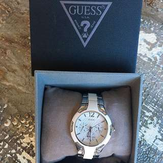 💯% AUTHENTIC!! Ladies Guess watch