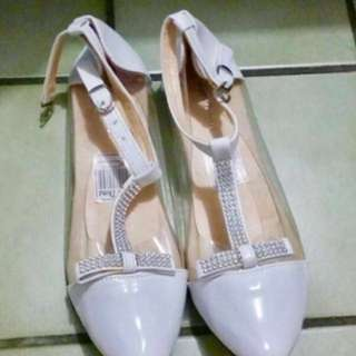 NEW - flat shoes