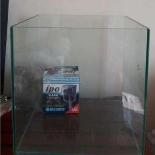 30*30*30魚缸附過濾器 或換一個小魚缸