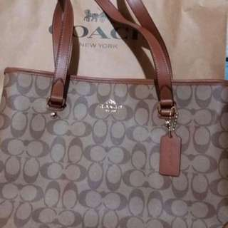 AUTHENTIC COACH SHOULDER BAG or whatever you call It
