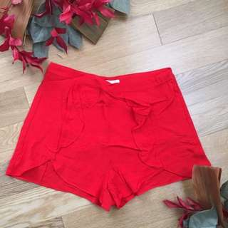 H&M Ruffled Shorts