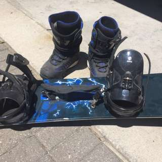 Snowboard And Boots Size 6