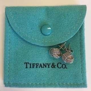 TIFFANY KNOT EARRINGS