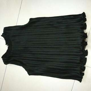 Sleeveless Top (Black)