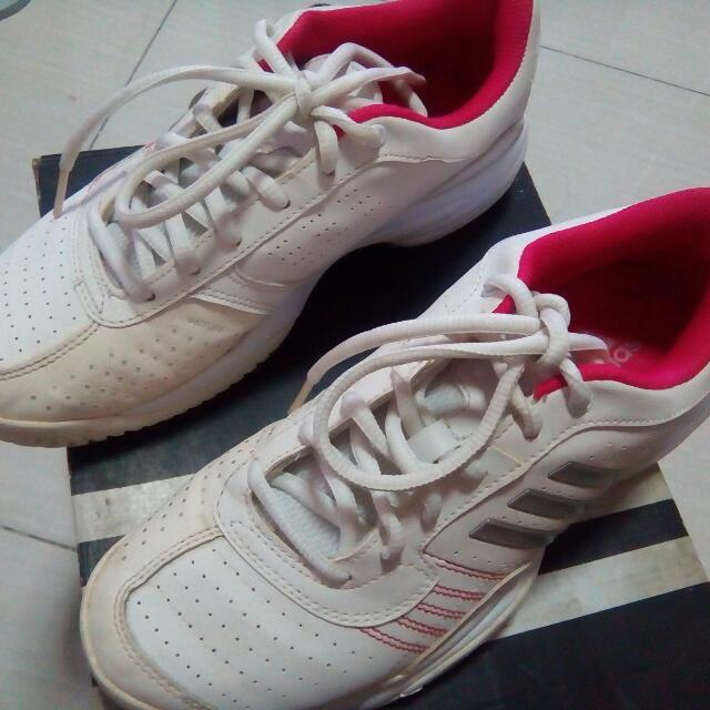 Adidas Bercuda Tennis Shoes Size 6 w/ Box