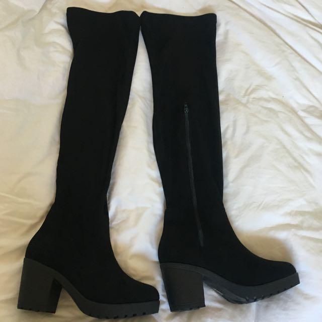 Black Chunky Heel Boot