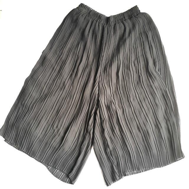 Black Culotte Pants 3/4