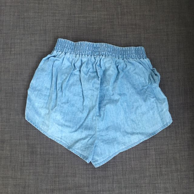 Blue Shorts (AU 4)