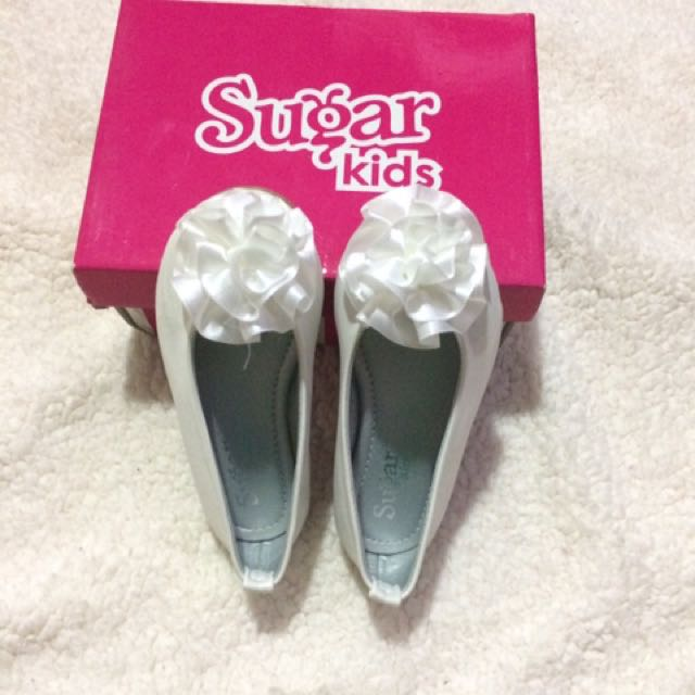 B-new sugar kids shoes with box