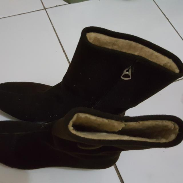 Boots Bahan Suede