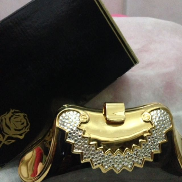 Clutch Pesta Gold Hardware Premium