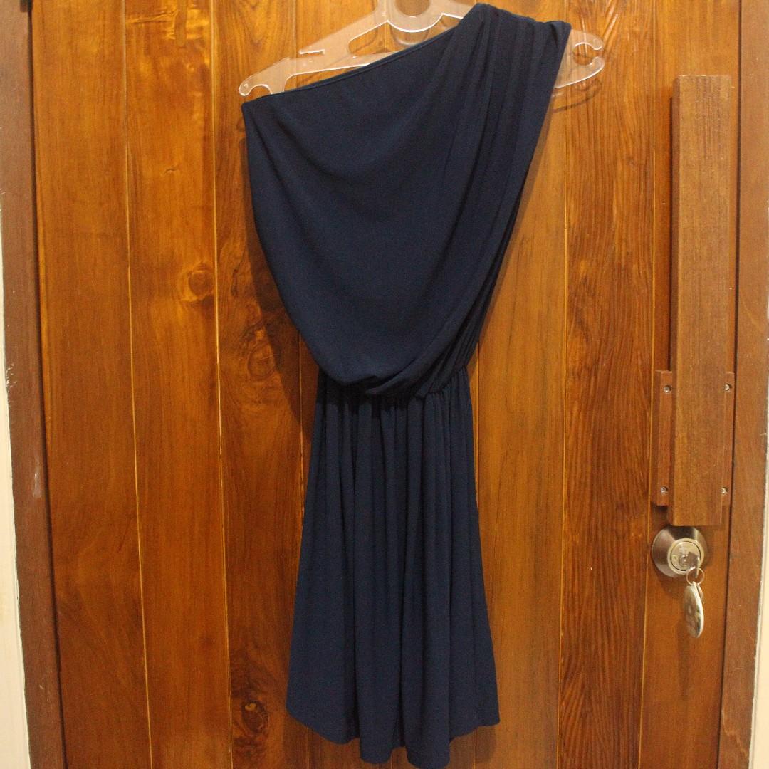 dress one off shoulder biru donker