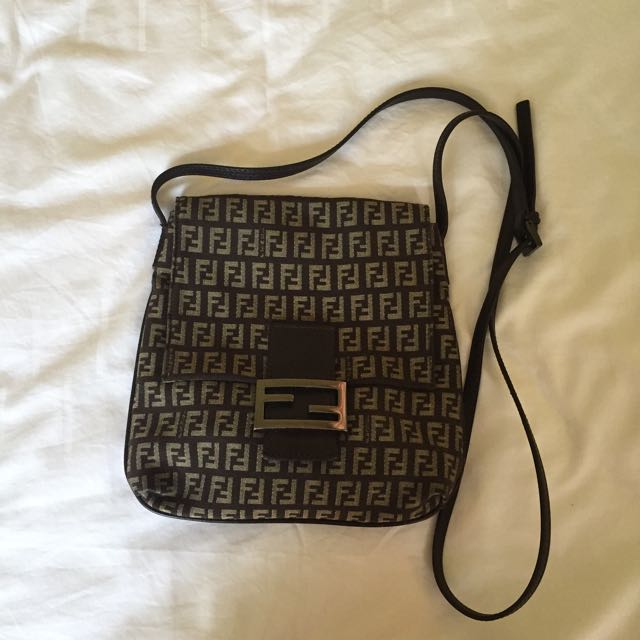 51db0c252c Fendi Classic Sling Bag 100% Authentic