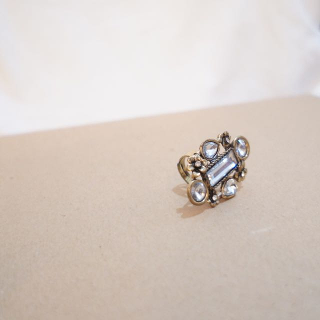 Framed Jewels Ring