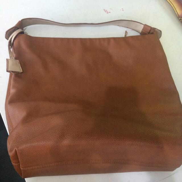 Hobo Bag Stradivarius