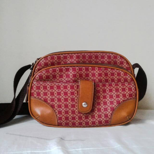 Kimbel Sling Bag