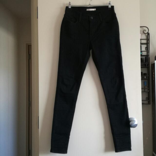 Levi Black Skinny Jeans