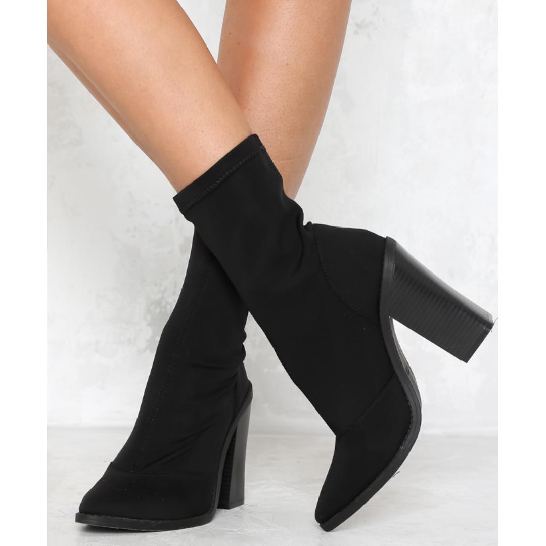 Lipstik Matra Boot - Black - Size 6