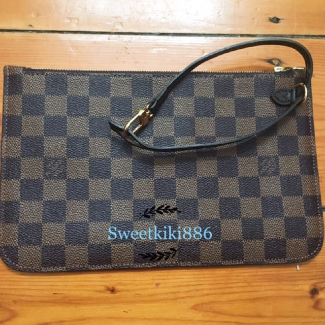 Louis Vuitton Neverfull GM Zippered Clutch (Pochette)