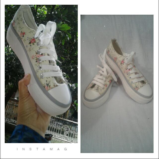 NEW..Sepatu IMPORT size 38,36