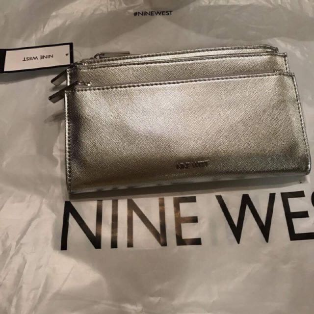 nine west wristlet Wallet