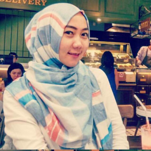 Pasmina by Stradivarius
