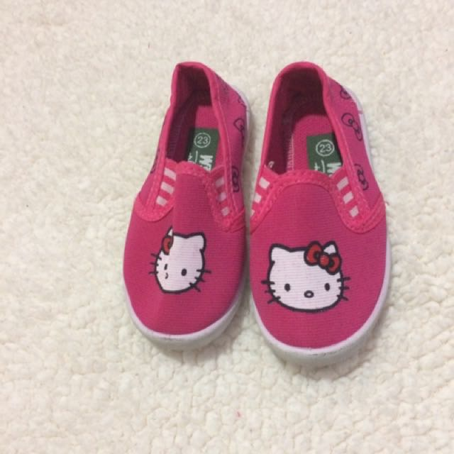 Preloved Hello kitty topsider size 23