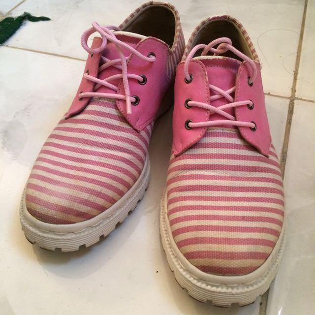 Preloved Sneakers Marc & Stuart
