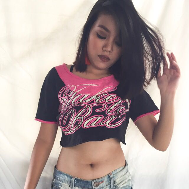 RAGGED STYLE CROPPED TOP