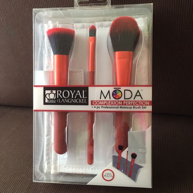 Royal And Langnickel Professional Makeup Brushes