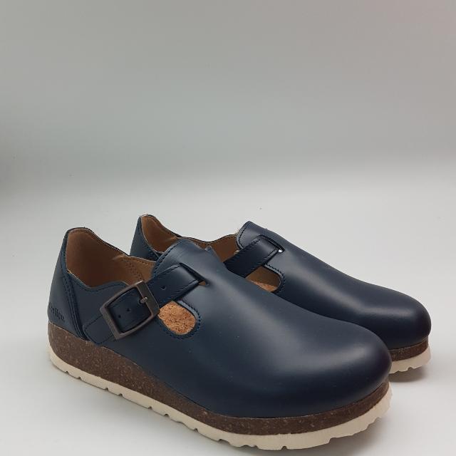 Sepatu CORTICA