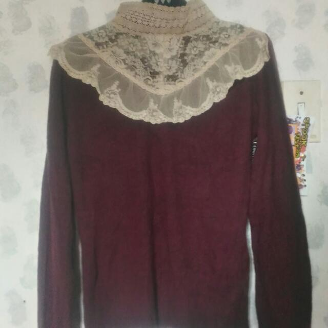 Turtle Neck With Lace Details (S)