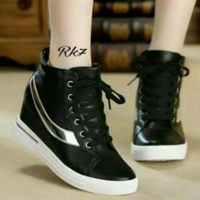 wedg - sepatu wanita boots nike hitam