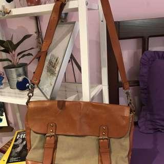 Gaudi Vintage Postman Bag