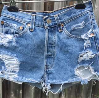 Levi Strauss & Co. 501 Vintage Shorts Fit 25 - 26