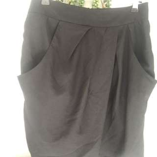 Work Skirt With Pockets And Drape Front