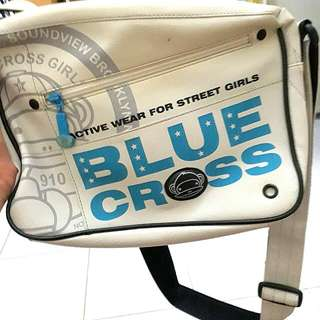 Tas selempang sekolah main blue cross girl milk teddy preloved white putih