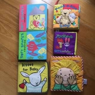 30 Assorted High Quality Children's Books: English, Mandarin, Maths, Art