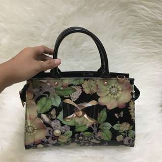 Ted Baker gel 2 colors lux sling bag