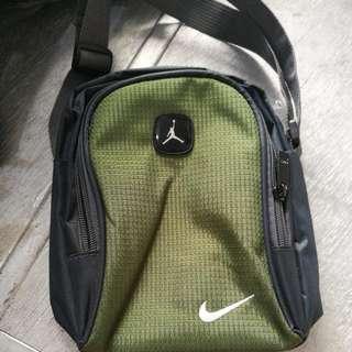 Nike Sling Bag - Army Green